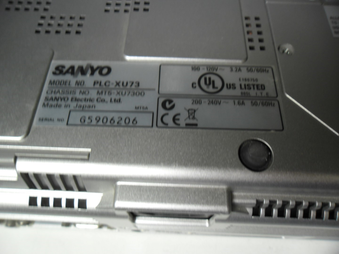 sanyo plc xu73 pro xtrax multiverse lcd projector powers on parts repair ebay. Black Bedroom Furniture Sets. Home Design Ideas