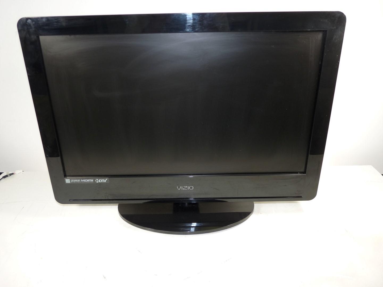 """Vizio VA26LHDTV10T 26"""" 720p LCD HDTV Television W/Pedestal"""