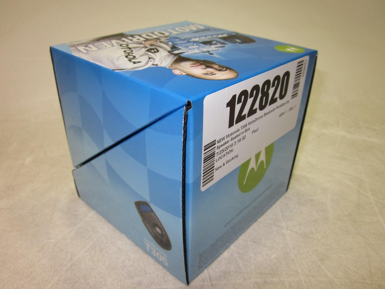 NEW-Motorola-T305-MotoDriven-Bluetooth-Portable-Car-Speaker-Sealed-in-Box thumbnail 2