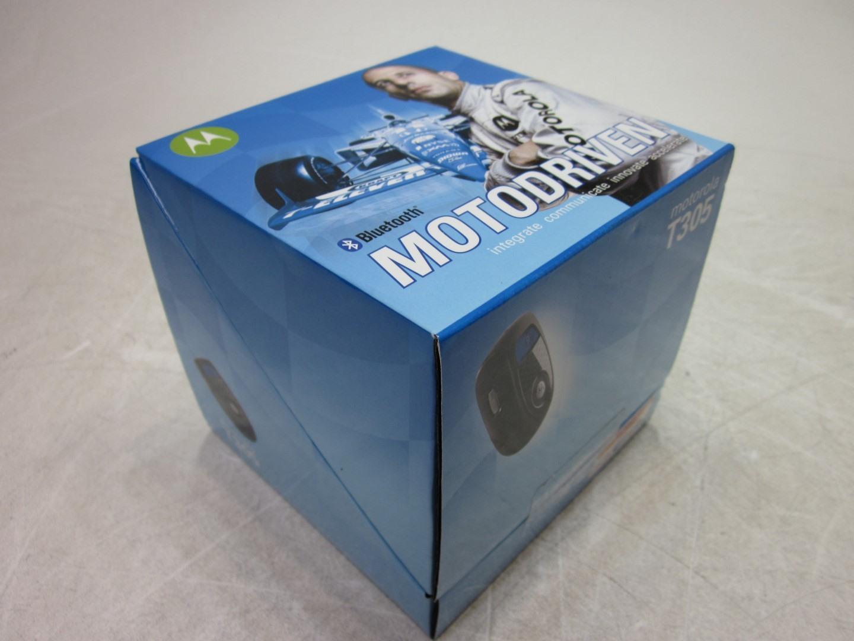 NEW-Motorola-T305-MotoDriven-Bluetooth-Portable-Car-Speaker-Sealed-in-Box thumbnail 3
